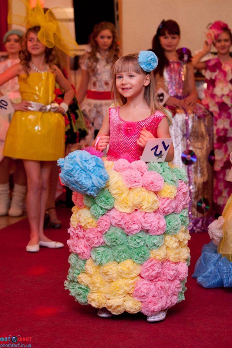 Платья из салфеток своими руками на конкурс для детей