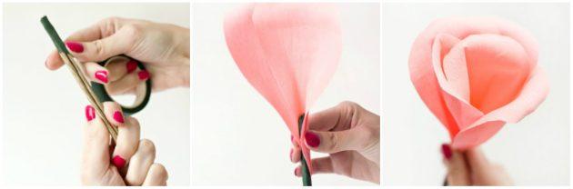 Розы из гофрированной бумаги своими руками.