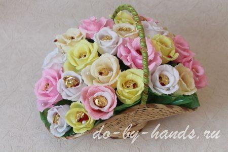 Розы из конфет своими руками