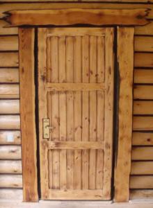 Дверь в баню своими руками фото