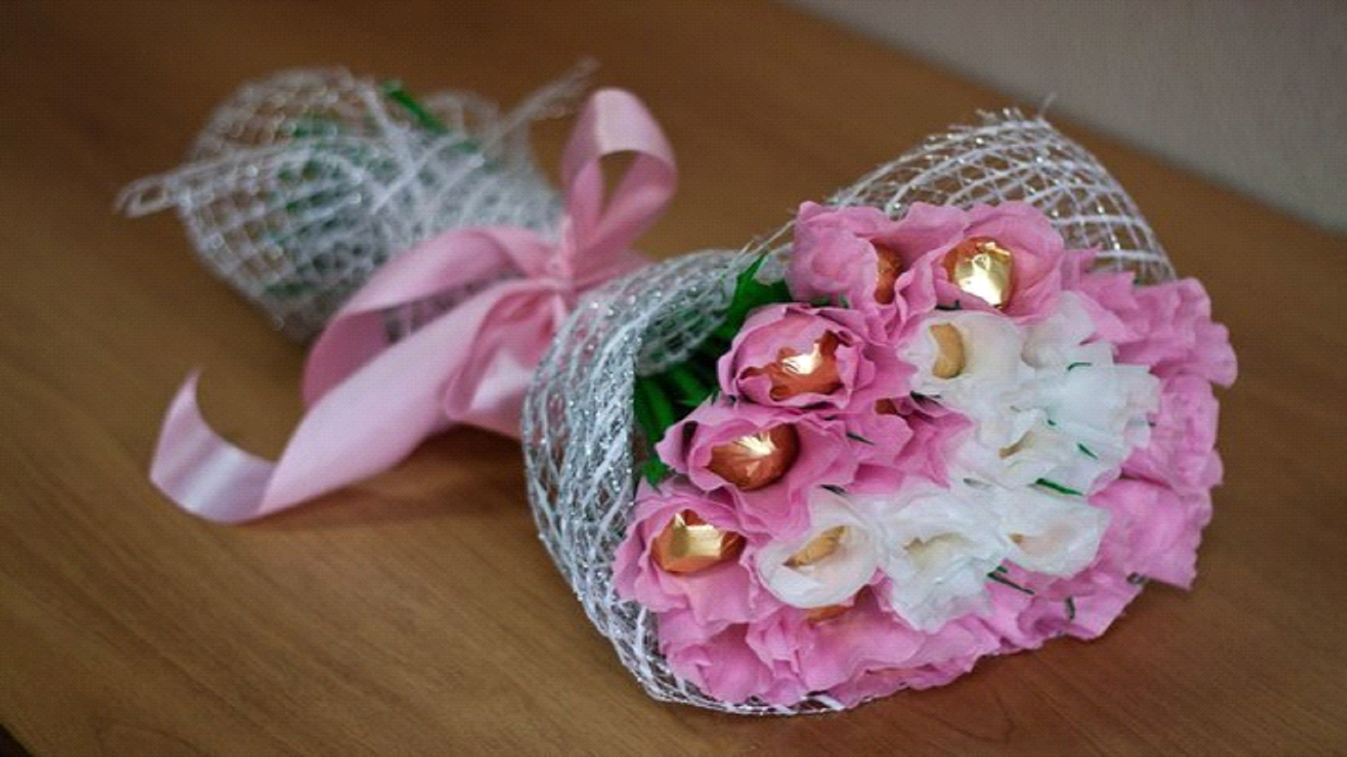 Тюльпан из конфет своими руками