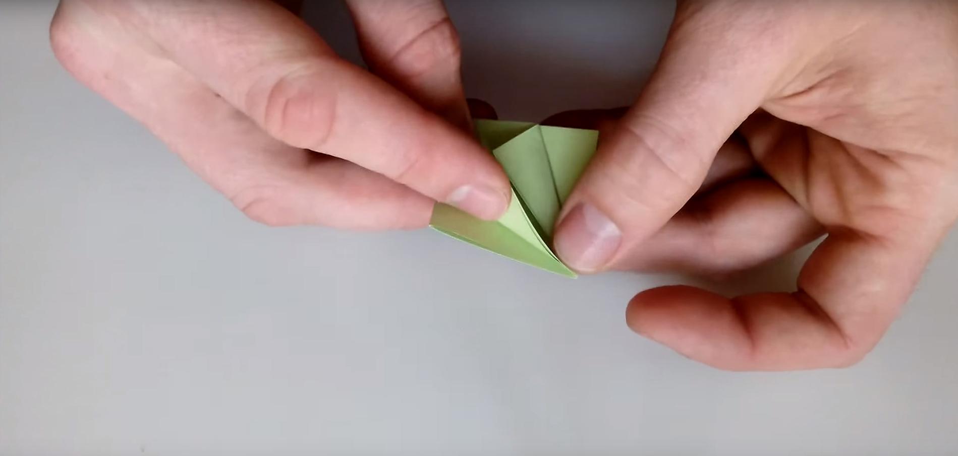 Бумажный цветок своими руками