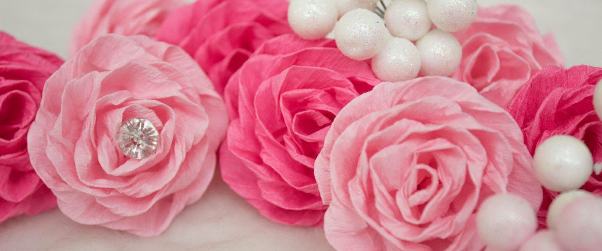 Цветы из креповой бумаги фото