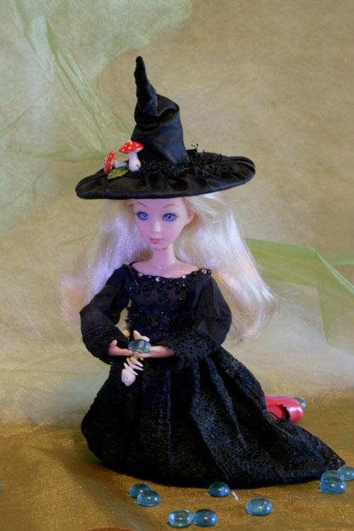 Шляпы ведьмы для куклы. Фото.