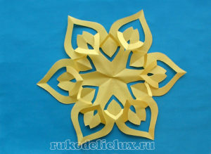 Снежинки бумажные – киригами инструкция