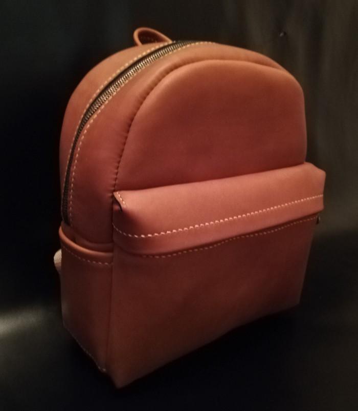 Женский рюкзак из кожи с процессом