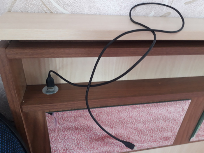 Встроенная USB розетка в кровати, своими руками
