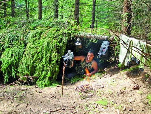 шалаш в лесу своими руками
